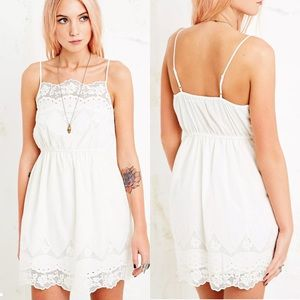 UO Kimchi Blue Bella Dress In White Size Small
